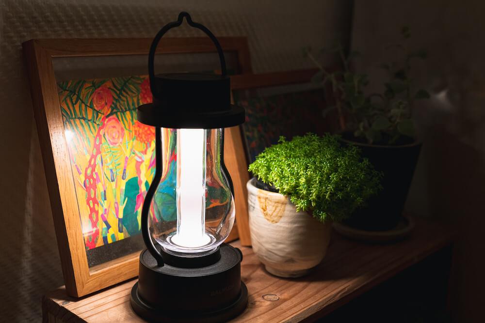 バルミューダ ザ・ランタン BALMUDA The Lantern LEDランタン キャンプ 読書灯 レビュー